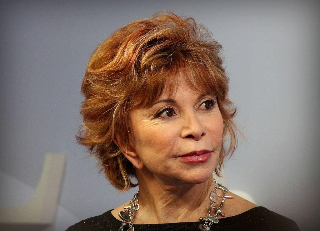 <a href=http://www.miamibookfair.com/2006/media_2006/2006_author/allende_isabel.jpg>Isabel Allende</a>