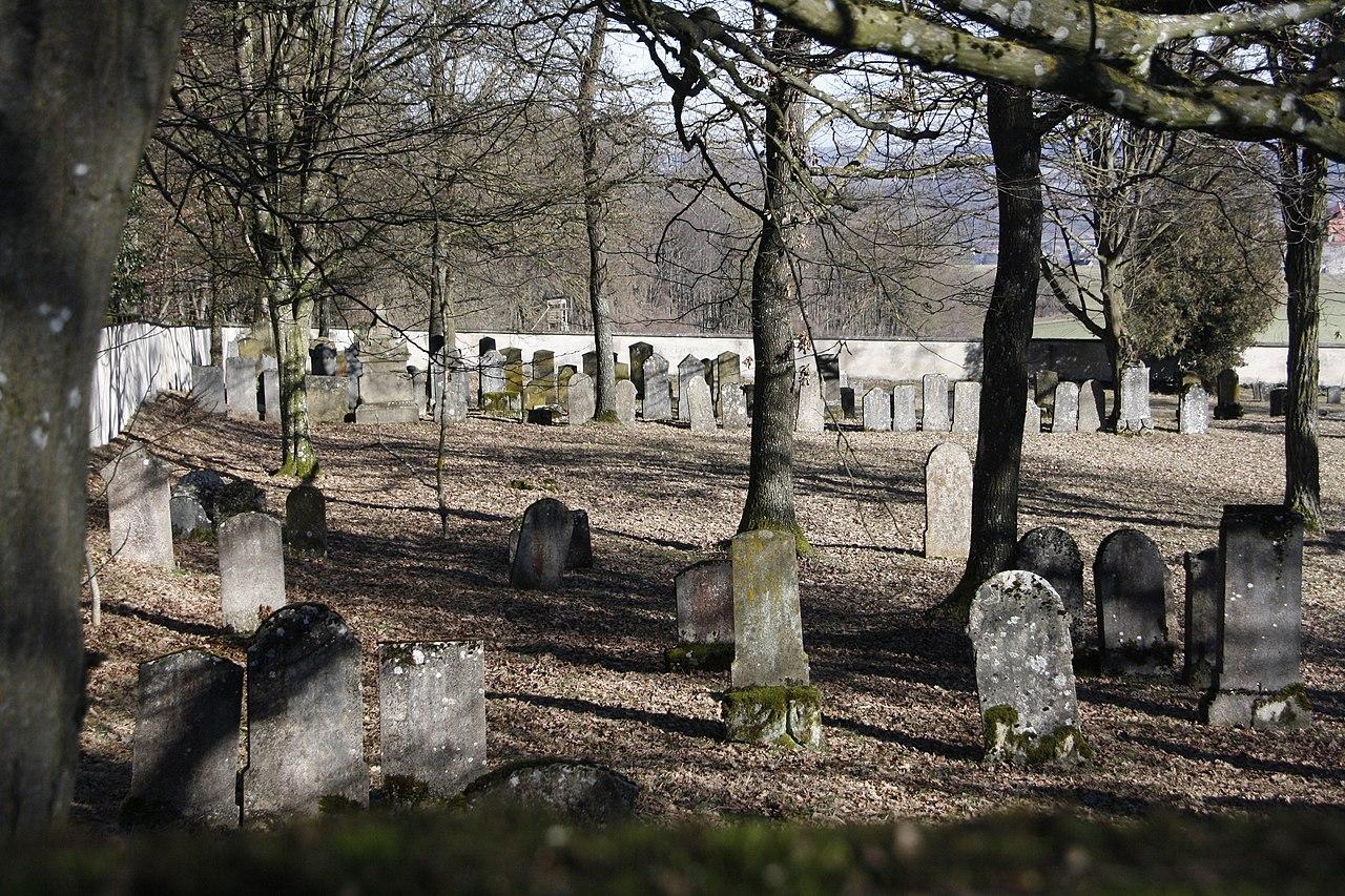 Jüdischer Friedhof Harburg (Schwaben) - 1.JPG