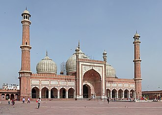 Mughal architecture - Jama Masjid, Delhi, one of the largest mosques in India.