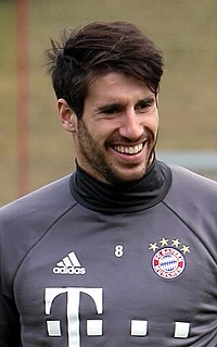 Javi Martínez - the cool, hot,  football player  with Spanish roots in 2020
