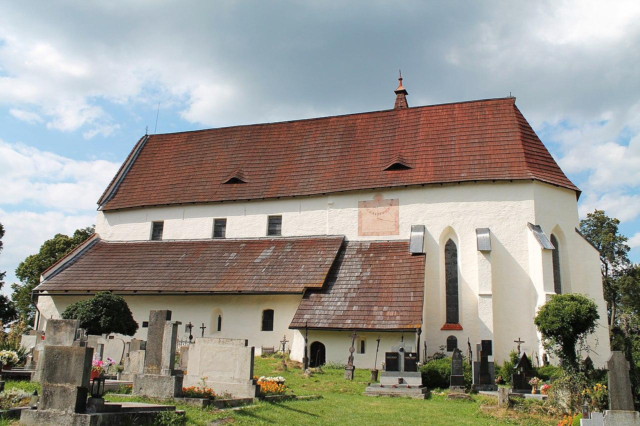 Kašperské Hory, kostel sv. Mikuláše (2013-08-15; 01).jpg