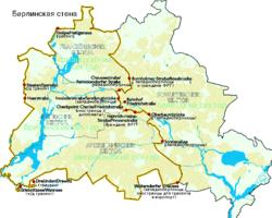 Карта Берлина.  Стена отмечена жёлтой линией, красные точки- контрольно-пропускные пункты.
