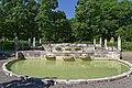 Kaskadenbrunnen am Ostfriedhof (München) 07.jpg
