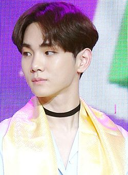 Key at the 23rd Dong Fang Feng Yun Bang Awards.jpg