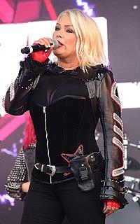 Kim Wilde English pop singer