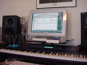 Kurzweil Music Systems - K2600 (1999) on home studio