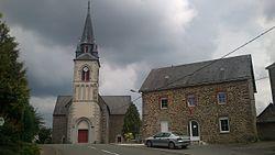 La Haie Traversaine Eglise et Mairie.jpg
