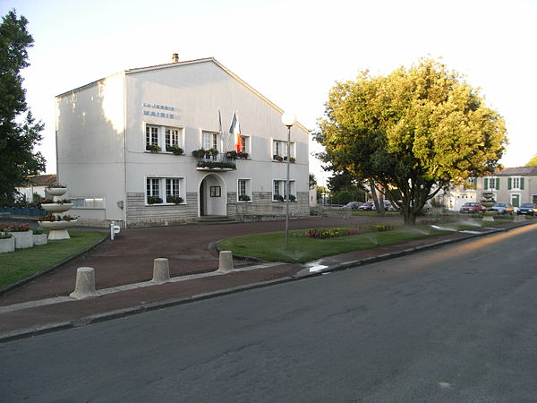 La mairie.