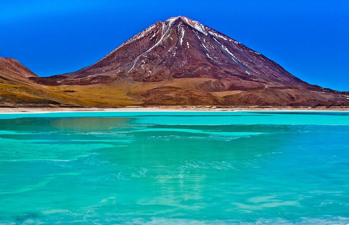 Laguna Verde (Bolivia) - Wikipedia  Laguna Verde (B...