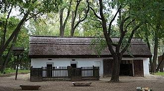 Kecskemét District - Image: Lajosmizsei Tanyamúzeum (ólak kamrával) 20130929 370