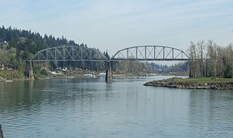 Lake Oswego, Oregon - Lake Oswego Railroad Bridge across the Willamette River, Lake Oswego, Oregon, April 2008