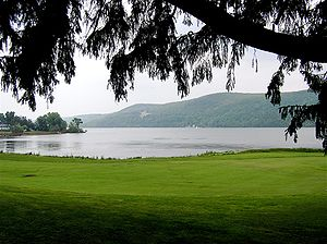 Otsego Lake (New York) - Image: Lake Otsego tree lawn (569771960)