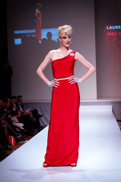 File:Lauren Lee Smith wearing Ines Di Santo - Heart and Stroke Foundation - The Heart Truth celebrity fashion show - Red Dress - Red Gown - Thursday February 8, 2012 - Creative Commons (6967896559).jpg
