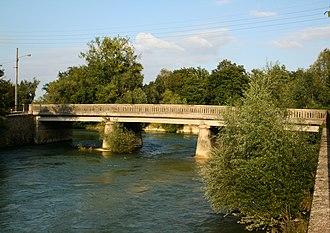 Arcis-sur-Aube - Image: Le pont de l'Aube Arcis sur Aube