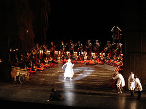 Music in Paris - A performance of Tales of Hoffmann at the Opera Bastille (2007)