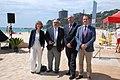 Les autoritats a la platja de Torre Valentina.jpg