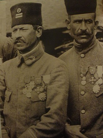 Tirailleur - Tunisian Lieutenant and tirailleur from the 4th RTA during the First World War (1917) - Both of them are highly decorated (Legion of Honour, Médaille militaire, Croix de guerre with palm)