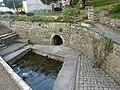 Locquénolé 10 La fontaine et le lavoir près de l'église Saint-Guénolé.JPG