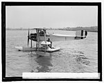 Lt. R.E. Byrd with rubber life boat, 4-27-25 LCCN2016839693.jpg
