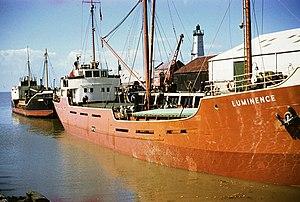 MV Lizzonia - Image: Luminence & Lizzonia (373468537)