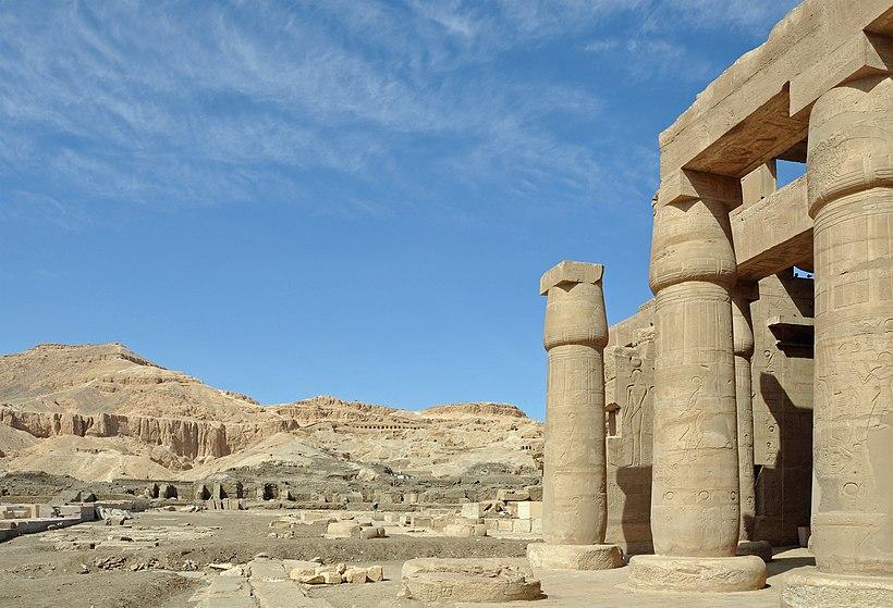 Luxor Ramesseum R16.jpg