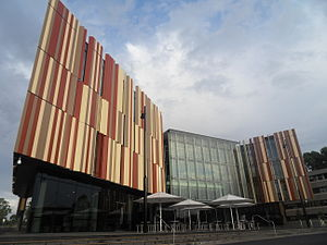 Tertiary education in Australia - Image: Macquarie University New Library 2011