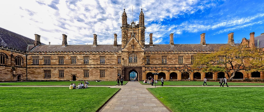 Main Quadrangle, University of Sydney by Jason Tong (CC-BY-2.0)