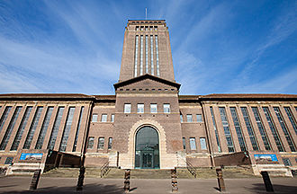 Giles Gilbert Scott - Cambridge University Library, opened in 1934