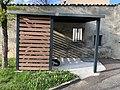 Maison des associations Colonel Arnaud Beltrame (Saint-Priest, Métropole de Lyon) - abri vélos.jpg