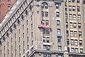Manhattan - window washers on Whitehall Building Annex 02 (9440338153).jpg