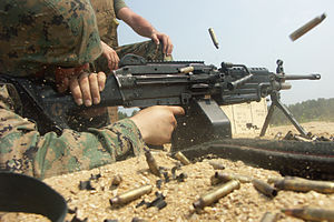 FN Minimi - A U.S. Marine fires the PIP-upgraded M249 SAW.