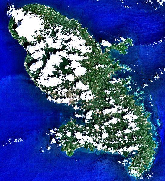 Fichier:Martinique 14.6346N 61.0051W Landsat7.jpg