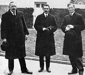 Meyer London - In January 1916, London was joined by Socialist Party leaders James Maurer (left) and Morris Hillquit in a meeting with President Woodrow Wilson trying to forestall American entry into World War I.