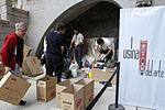 Mauricio Macri visito la Usina del Arte donde se recibieron donaciones (8637857718).jpg