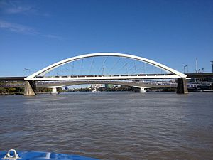 Merivale Bridge - Image: Merivale Bridge and Go Between Bridge
