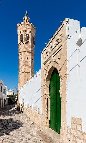 Mahdia - Image: Mezquita Slimane Hamza, Mahdia, Túnez, 2016 09 04, DD 02