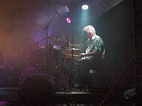 Mick Avory 2013.JPG