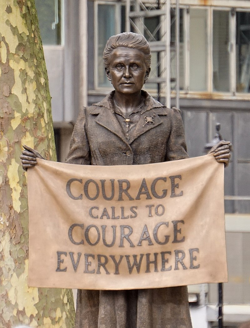 Millicent Fawcett Statue 02 - Courage Calls (27810755638) (cropped).jpg