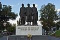 Monumento De La Trilogía De Los Heróes De La Independencia.jpg