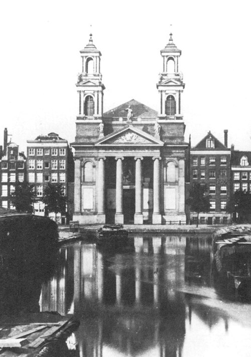 Spinoza lived where the Moses and Aaron Church is located now, and there is strong evidence that he may have been born there. Mozes en Aaronkerk.jpg