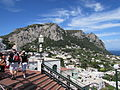Muntele Solaro vazut din Piazzetta din Capri4.jpg