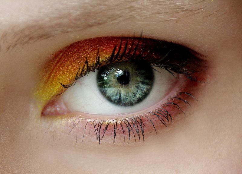 pomalowane oko - powieka