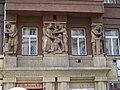 Myslíkova 6, reliéfní sochy, Státní pozemkový úřad – účetní departement, súčtovací oddělení berní správy II.jpg