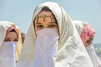 Haik (garment) - Women wearing haik