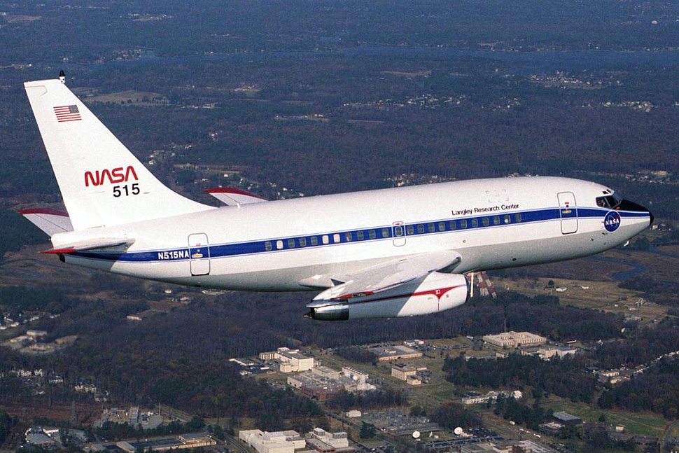 NASA 515 Boeing B-737-130 in flight