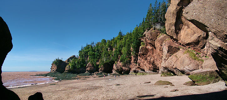 Les rochers d'Hopewell à marée basse, parc provincial The Rocks, baie de Fundy