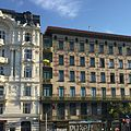 Naschmarkt Häuser.jpg