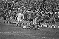 Nederland tegen Belgie 5-0 Rensenbrink omspeelt Piot en scoort 3-0, Bestanddeelnr 928-5398.jpg