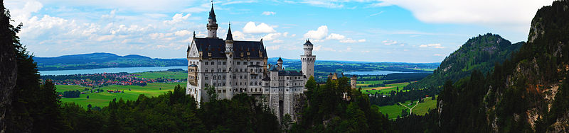 File:Neuschwanstein Castle 2.jpg
