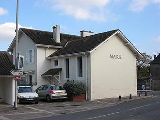 Noguères - The town hall of Noguères